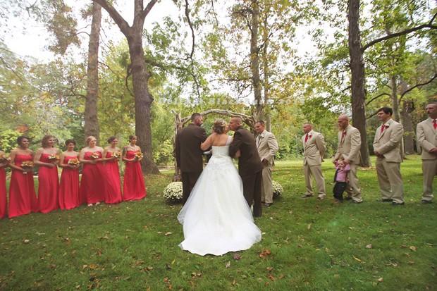 Atitude do pai da noiva surpreendeu a filha e os convidados de casamento nos Estados Unidos (Foto: Delia D. Blackburn)