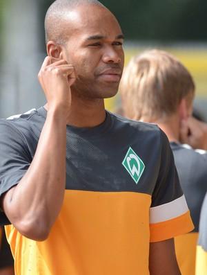 Naldo werder Bremen treino (Foto: Agência EFE)