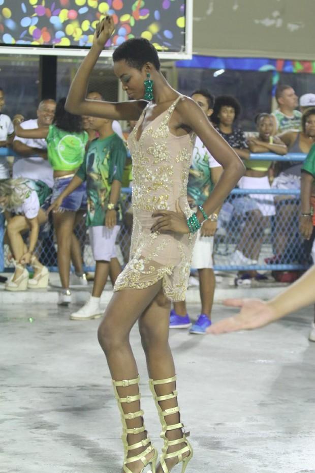 Maria Borges, modelo da Victoria's Secret, no ensaio técnico da Mocidade na Marquês de Sapucaí, no Rio (Foto: Daniel Pinheiro/AgNews)