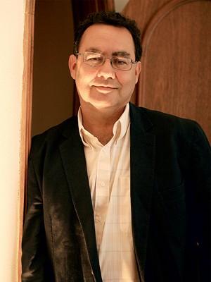 CONSELHOS O psiquiatra Augusto Cury. Ele escreveu 35 livros e vendeu mais de 90 milhões de exemplares (Foto: Silva Junior/Folhapress)