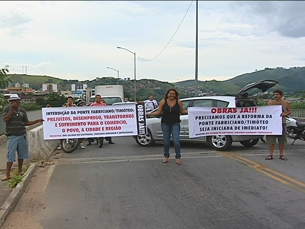 Manifestantes combram solução do Dnit. (Foto: Reprodução Intertv dos Vales)