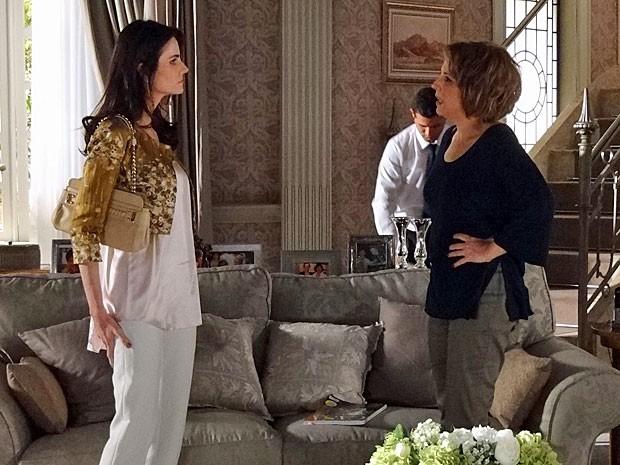 Amanda deixa Rachel de boca aberta com sua mudança (Foto: Salve Jorge/TV Globo)