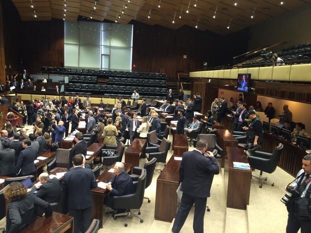 Votação é realizada na Assembleia Legislativa do RS (Foto: Jonas Campos/RBS TV)