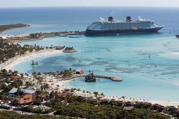 Disney diz ter gasto US$ 25 milhões para construir a ilha. Todo o processo levou 18 meses e 50 mil caminhões de areia do fundo do Oceano Atlântico (Foto: Divulgação/Disney)