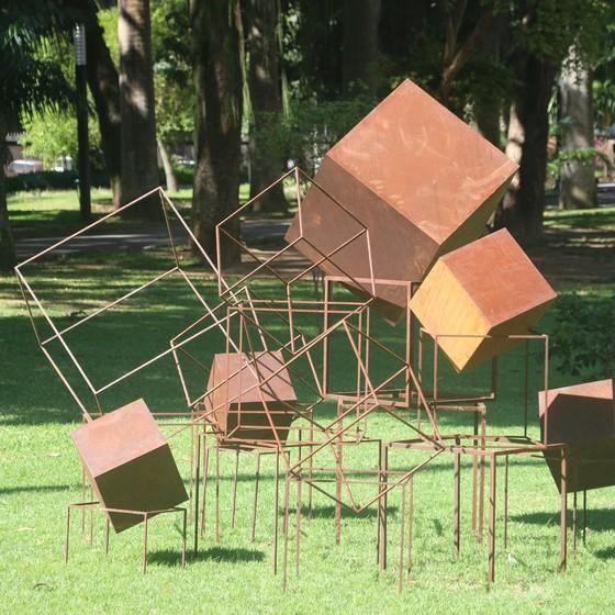 Instalação de José Bechara, uma das 14 obras que vão ocupar os jardins do Museu da República, no Catete (Foto: Divulgação)