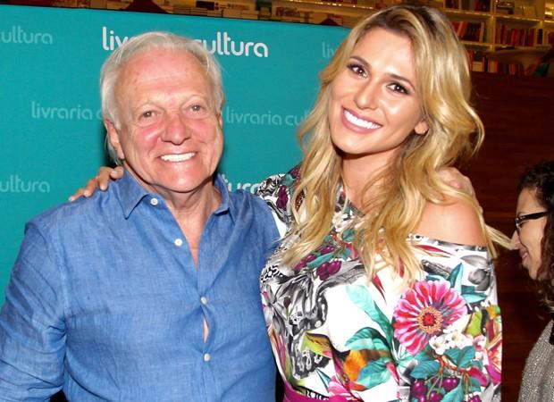 Flávio Ricco e Lívia Andrade (Foto: Manuela Scarpa/Brazil News)