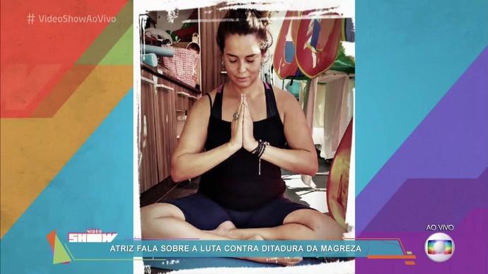 Suzy Rêgo faz Ioga para manter a forma (Foto: TV Globo)