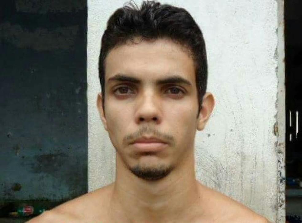 Wallyson Phillip Melo Costa foi morto enquanto tentava assaltar carro-forte. Ele era foragido de presídio da Grande Natal (Foto: Divulgação/ PM)