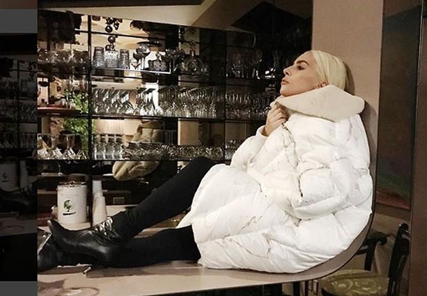 bf51673ee Lady Gaga usa sapato de marca brasileira e ajuda em expansão nos Estados  Unidos