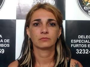 Valéria Miranda Barbosa, de 33 anos, foi presa em Macaíba (Foto: Divulgação/Polícia Civil do RN)