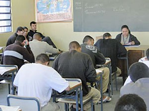 Detentos de prisão paulista participam de olimpíada de matemática em junho de 2013 (Foto: Divulgação/SAP)