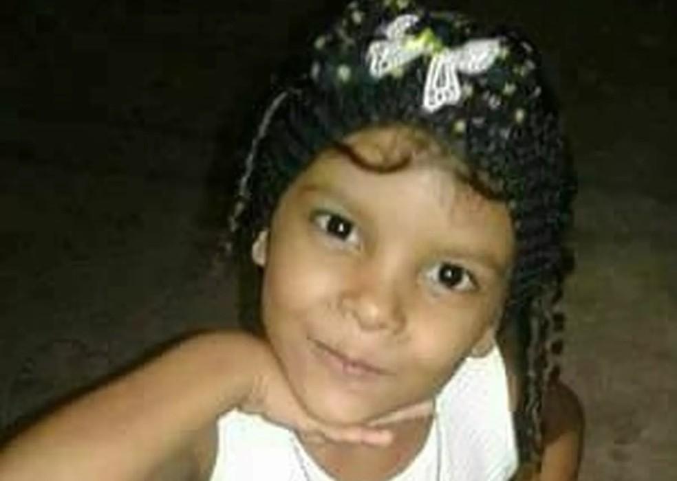 Déborah Lohany desapareceu no Bairro Aerolândia, em Fortaleza (Foto: Arquivo Pessoal)