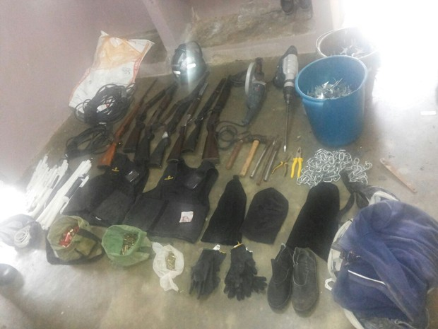 Material apreendido pela equipe do 9º BPM em Garanhuns, Agreste de Pernambuco (Foto: Divulgação/ Polícia Militar)
