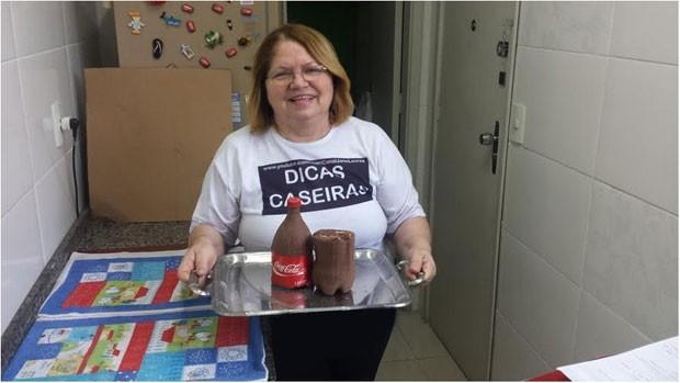 Com receita de bolo em garrafa PET, Jane Loures teve alcance nacional, mas canal não é lucrativo. (Foto: Reprodução/YouTube/BBC)