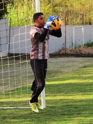 Ivan goleiro Joinville (Foto: Marcelo Hazan)