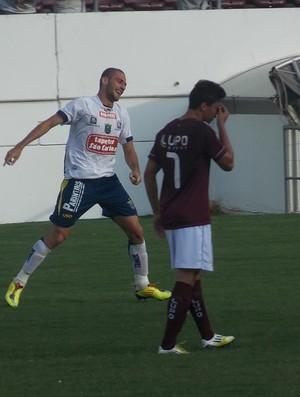 Marcelo faz 1 a 0 para o São Carlos diante da Ferroviária (Foto: Rovanir Frias/São Carlos)
