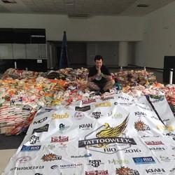 Sylvio Freitas agradece aos que doaram alimentos na Tattoo Week Rio
