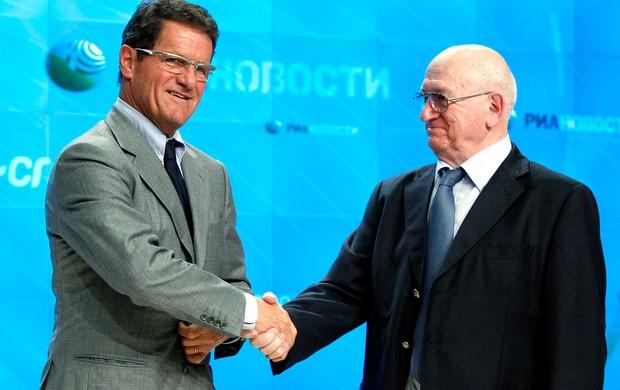 Fabio Capello é apresentado como técnico da Rússia ao lado de  Nikita Simonyan, chefe da federação de futebol (Foto: Reuters)