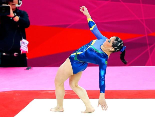 Daniele Hypolito na prova de ginástica em Londres (Foto: Reuters)
