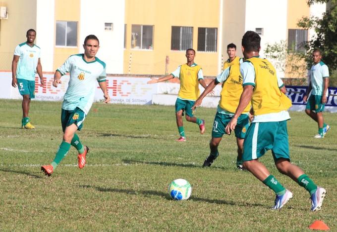 Pimentinha acredita que SAmpaio vai ter mais espaço contra o Ceará (Foto: De Jesus/O Estado)