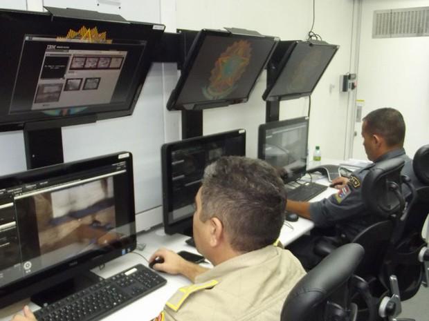 Centro Integrado de Comando e Controle Móvel foi testado pela 1ª vez no Carnatal (Foto: Klênyo Galvão/G1)
