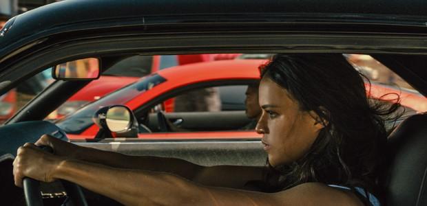 Letty se prepara para um racha no Race Wars (Foto: Divulgação)