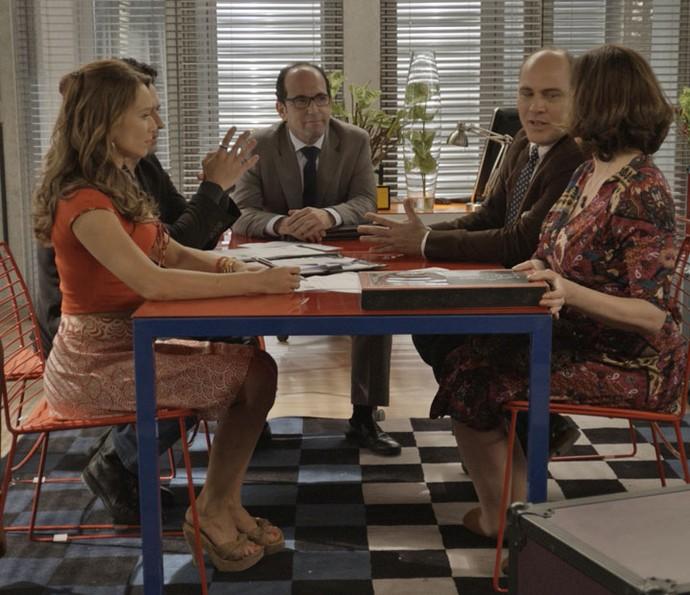 Mãe e filha se reúnem com o contador para planejar a abertura da empresa (Foto: TV Globo)