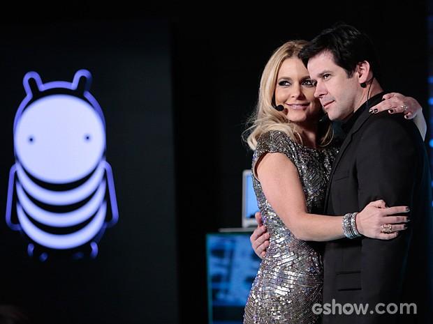 Pam e Jonas anunciam o Concurso Geração Brasil na Parker TV (Foto: Felipe Monteiro / TV Globo)