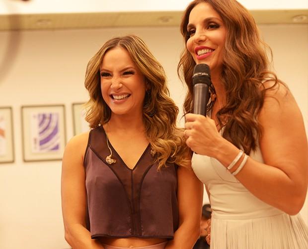 Ivete Sangalo entrevista Claudia Leitte (Foto: Camila Serejo / TV Globo)