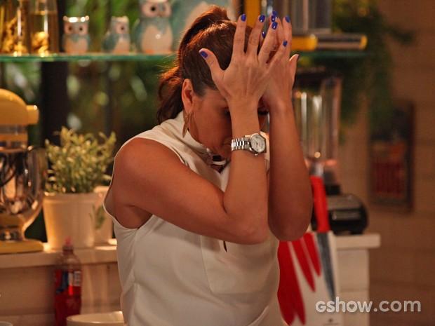 Clara se estressa com Cadu (Foto: Carol Caminha/ TV Globo)