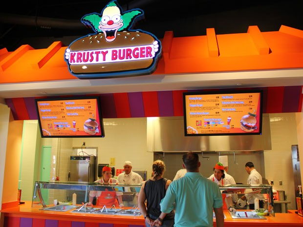 Krusty Burger, lanchonete da nova área temática dos Simpsons no parque Universal Studios Florida (Foto: Ricky Brigante - Inside the Magic - Creative Commons)