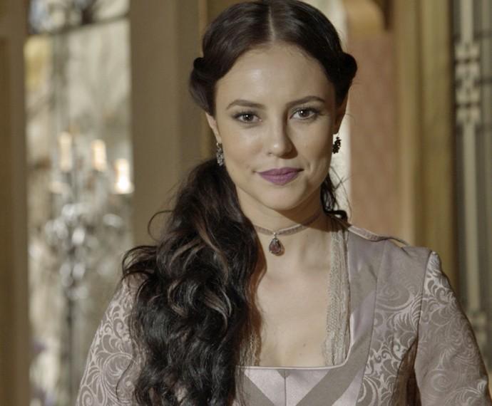 A atriz está usando aplique para viver Melissa em Além do Tempo (Foto: TV Globo)