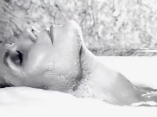 Heidi Klum mostra sua porção mais sexy no advent calendar da LOVE Magazine (Foto: Divulgação)