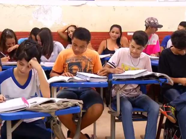 Estudantes terão que repor aulas perdidas (Foto: Reprodução/TV Anhanguera)