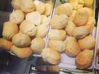 Em turnê no Brasil, Kevin Jonas mostra que adorou pão de queijo