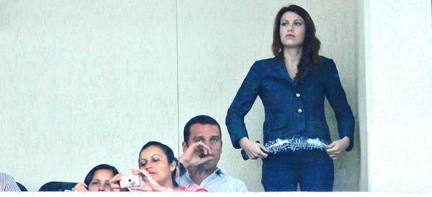 Barbara Belusconi namorada de Alexandre pato no Pacaembu (Foto: Fernando Dantas / Gazeta Press)