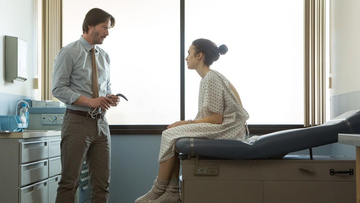 Keanu Reeves interpreta dr. Beckham, que foi inspirado no médico de Noxon na vida real (Foto: Divulgação)