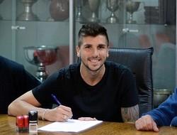 Mugni assina contrato com o Newell's Old Boys (Foto: Divulgação)