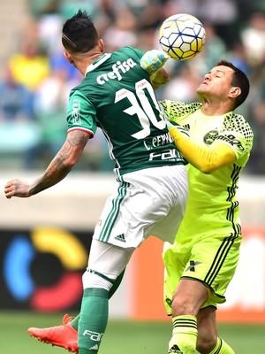 Leandro Pereira e Wilson -  Palmeiras x Coritiba (Foto: Marcos Ribolli)