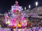 No Rio, escolas mostram inovação e protestos no primeiro dia de desfiles