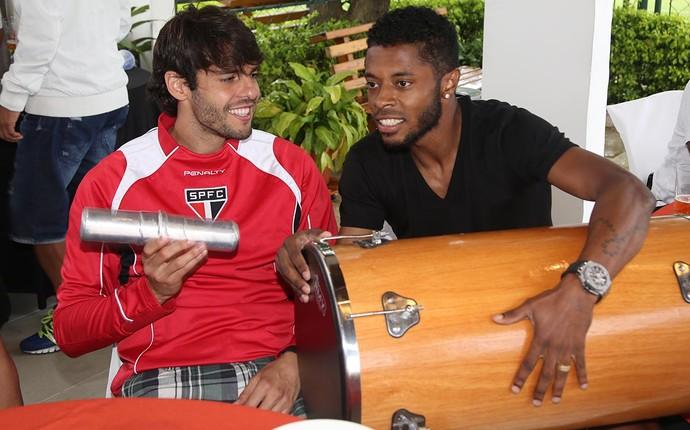 Kaká e Michel Bastos Samba São Paulo (Foto: Rubens Chiri/saopaulofc.net)