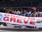 Agentes de portaria terceirizados da rede estadual de ensino fazem greve