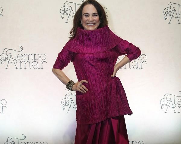 Regina Duarte viverá a primeira cafetina de sua carreira no folhetim:  (Foto: TV Globo/ César Alves)