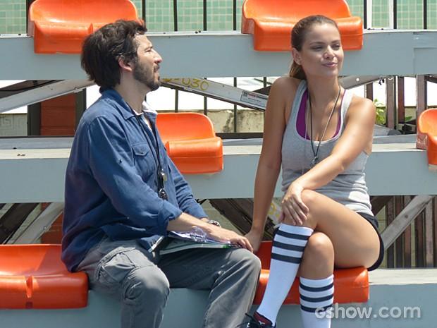 Bem que Virgílio tenta convencer Bábara, mas ela se recusa a sera nova treinadora (Foto: Malhação / TV Globo)