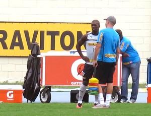 Seedorf no treino do Botafogo com o preparador físico (Foto: Thales Soares / Globoesporte.com)