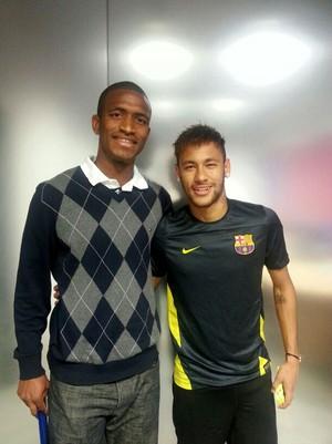 Adailton e Neymar barcelona (Foto: Arquivo Pessoal)