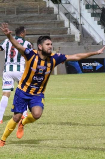 jorge ortega sportivo luqueno coritiba (Foto: Divulgação/Site oficial clubsportivoluqueno)