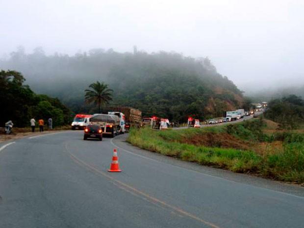 Bombeiro afirma que neblina pode ter ajudado a provocar acidente no sul da Bahia (Foto: LiberdadeNews)