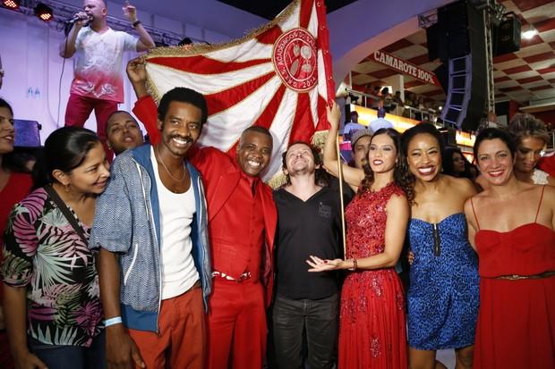 Viviane Araújo recebe elenco do filme 'Trinta' em quadra de escola de samba (Foto: Felipe Assumpção/Ag News)