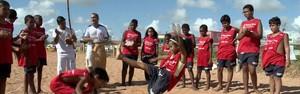Projeto social esportivo atende mais de 100 crianças (Reprodução/ TV Gazeta)